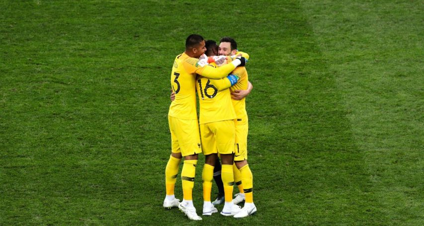 Euro 2020 : Deschamps rappelle Mandanda !